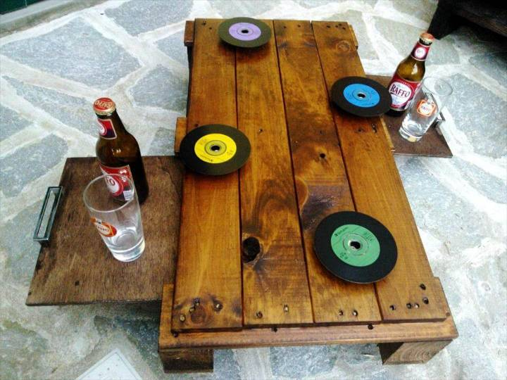 diy pallet bar table with fixed grinder wheel coasters