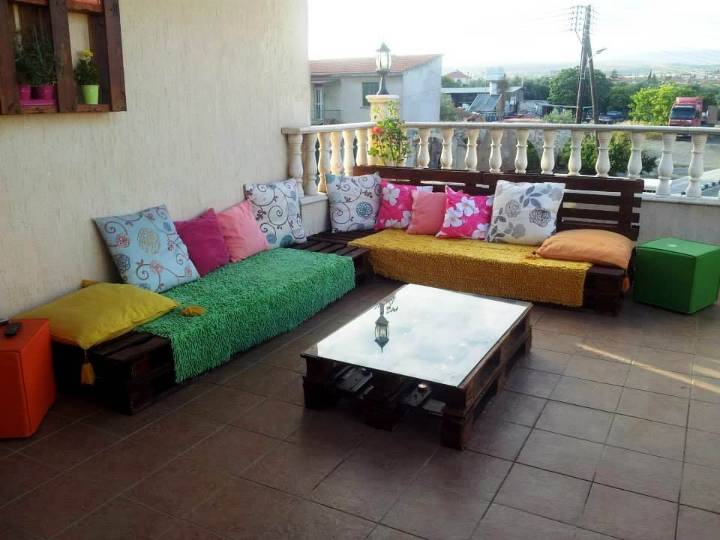 handcrafted wooden pallet terrace sofa