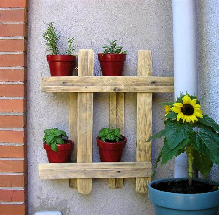 wall hanging pot organizer made from pallets