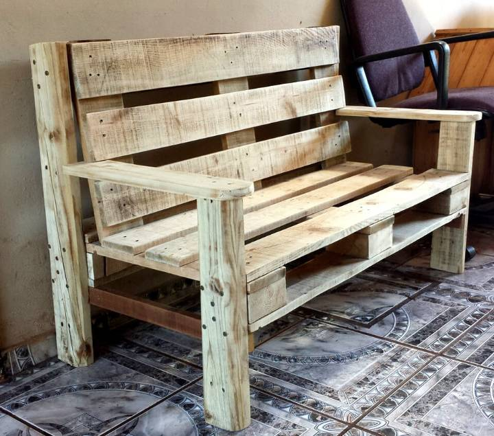 no-cost wooden pallet bench