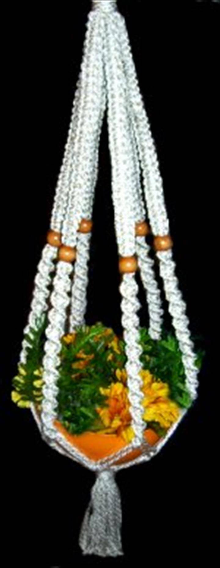 beautiful macrame plant hanger pattern