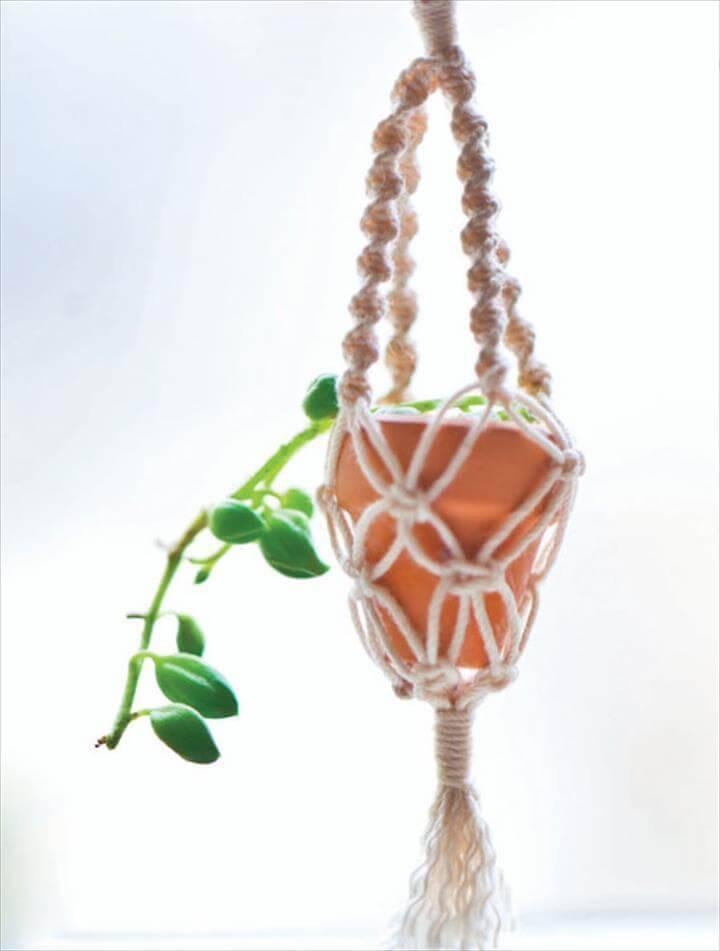 cute micro plant hanger pattern