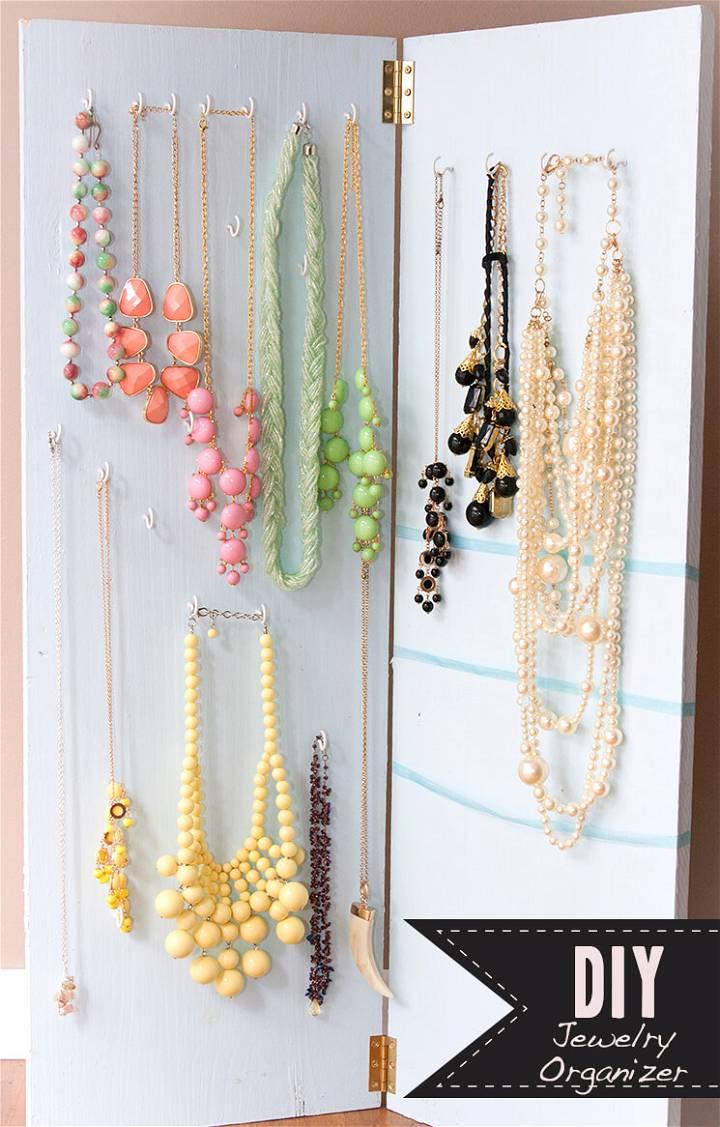 DIY brilliant jewelry organizer