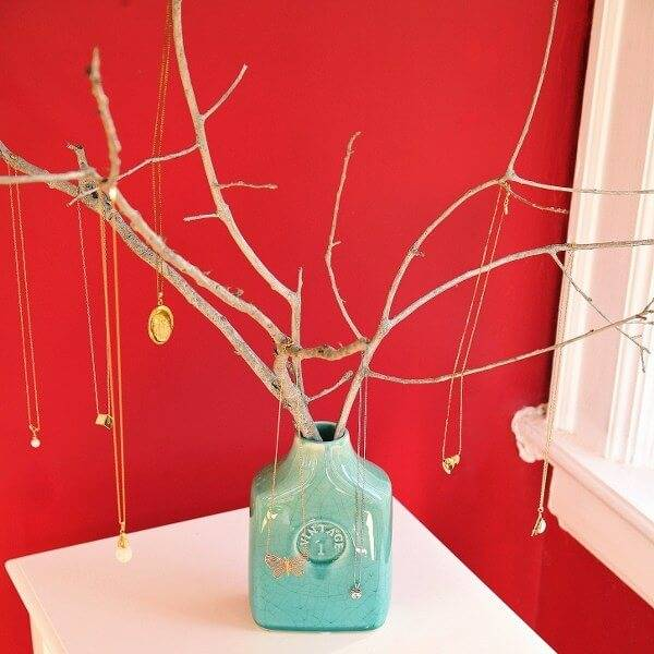twigs into cool jewelry tree