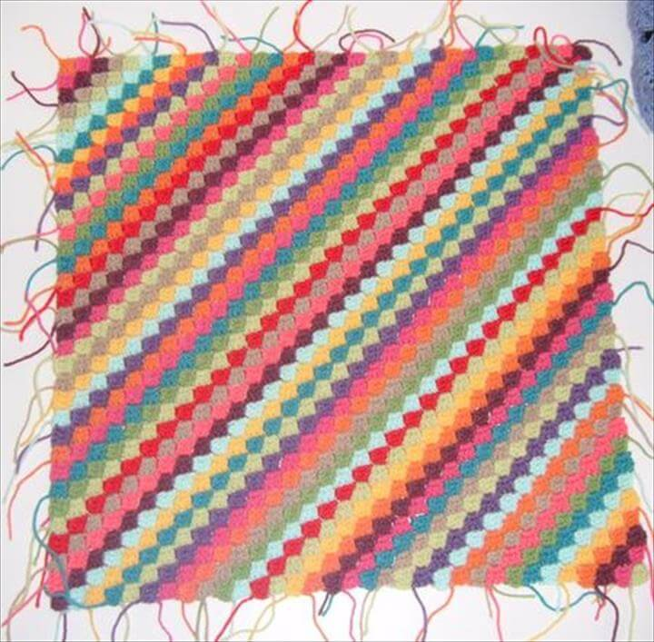 DIY diagonal rainbow lines crochet blanket pattern
