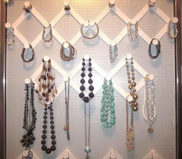 low-cost dollar store items jewelry organizer