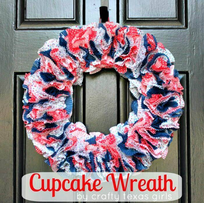 DIY 4th of July Wreath - Cupcake Wreath