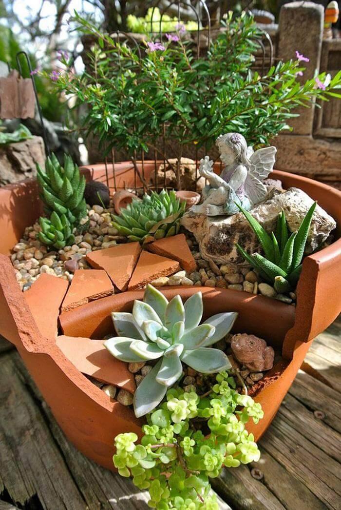 Broken Pot Turned Into DIY Fairy Garden