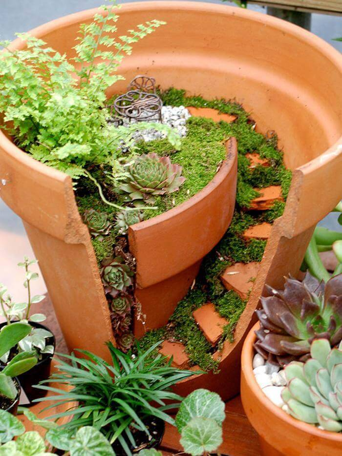 Broken Pots Turned Into Brilliant DIY Fairy Garden
