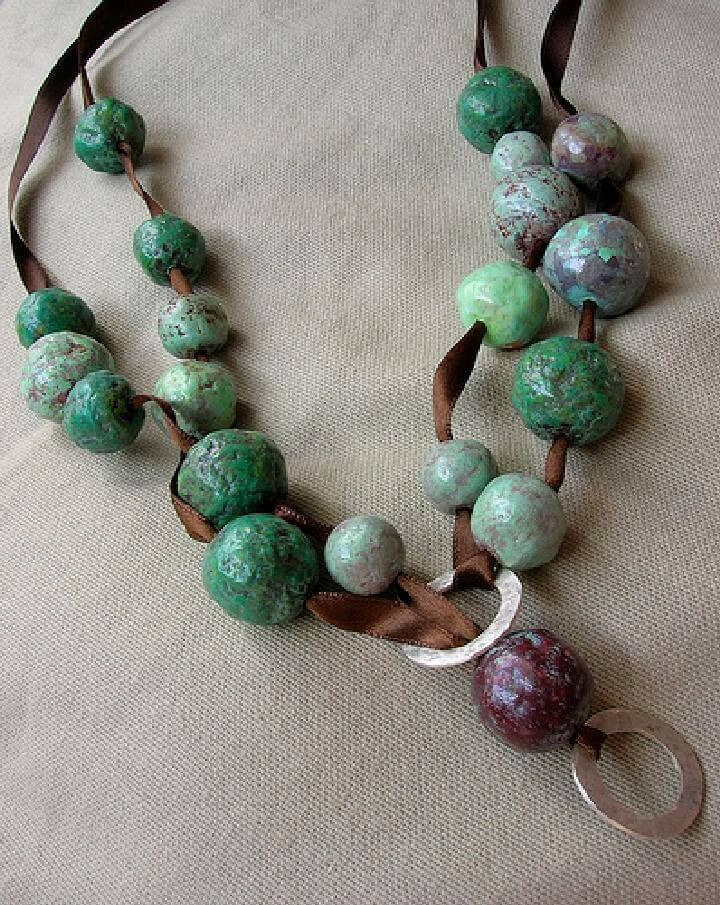 DIY Beads and Necklace Made of Newspaper