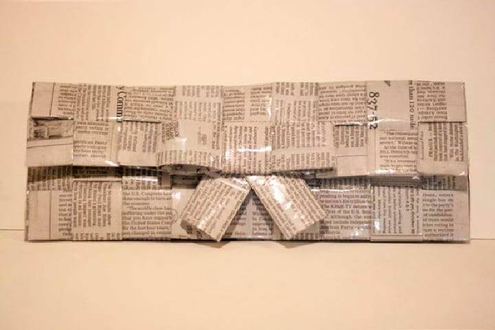 DIY Easy Woven Newspaper Clutch