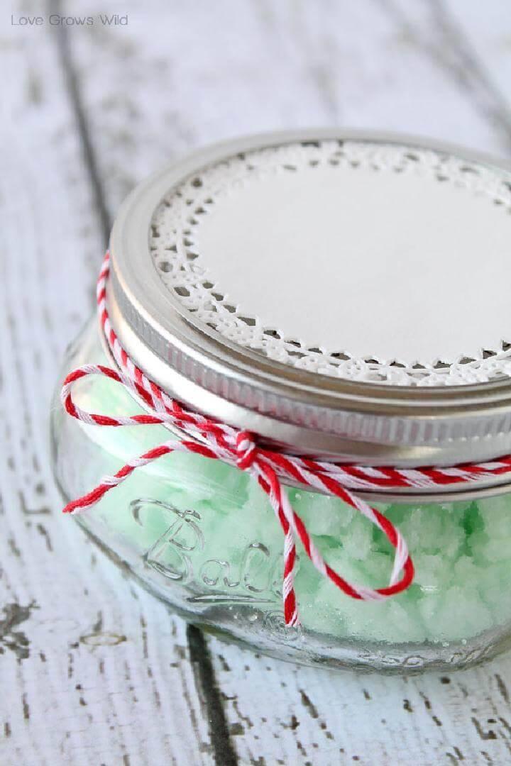 DIY Gift-Worthy Mint Sugar Scrub