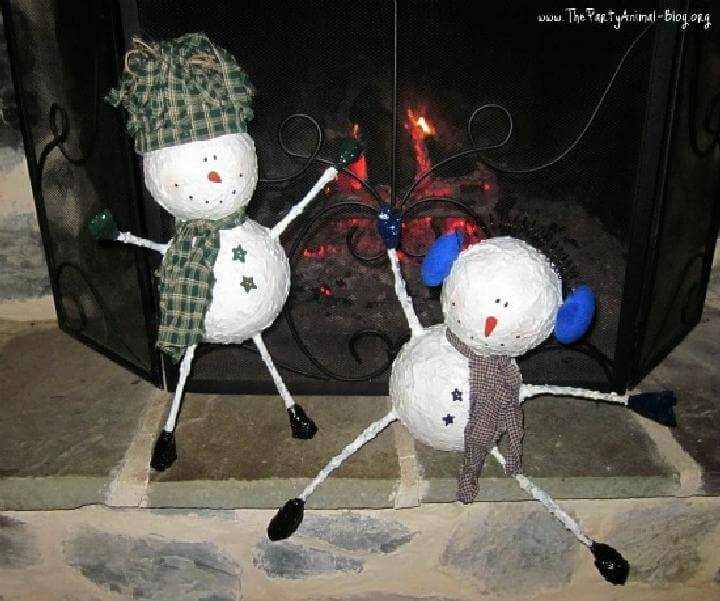 DIY Newspaper Mache Snowmen