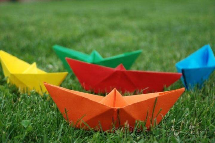 DIY Newspaper Paper Boats