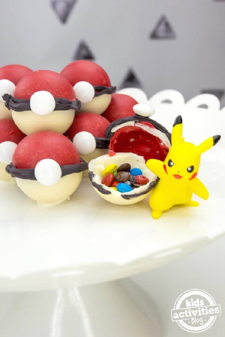 DIY Yummy Pokemon Candy Pokeballs