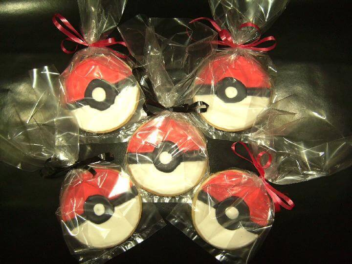 Easy Pokeball Cookies
