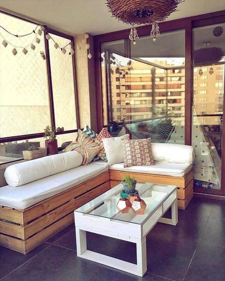 modern in style pallet furniture set
