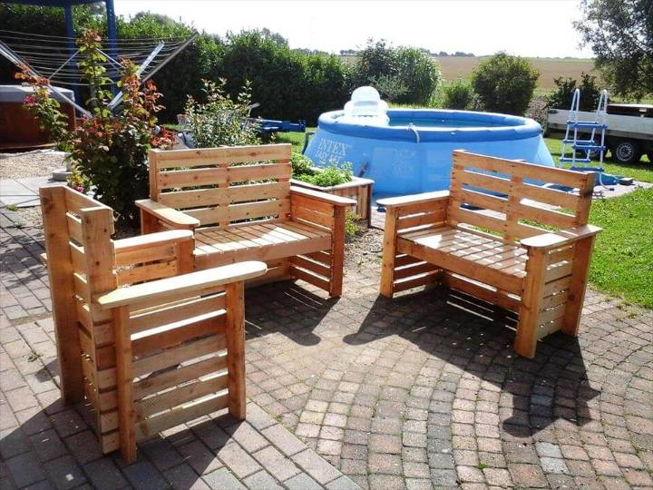 wooden pallet patio sitting set