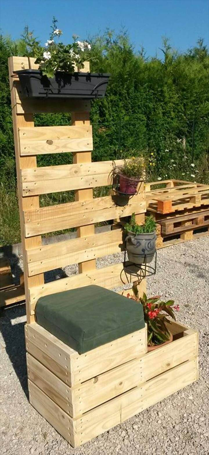 simple pallet seat with a planter shelf back