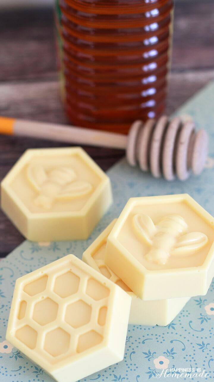 DIY 10-Minute Milk and Honey Soap