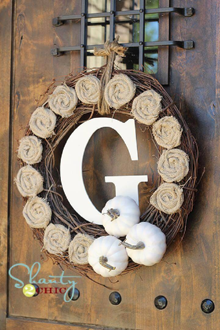 DIY 10$ Monogram Fall Wreath