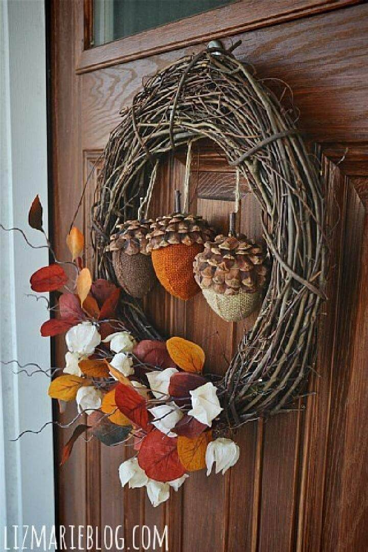 DIY Array of Acorns Fall Wreath