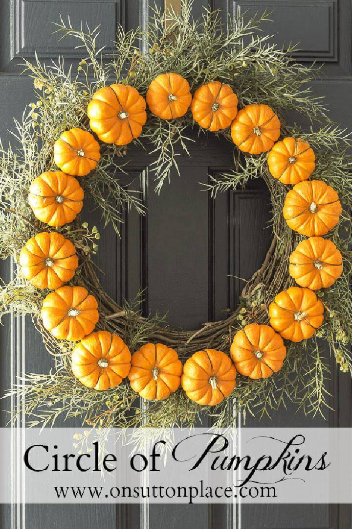 DIY Circle Pumpkin Fall Wreath
