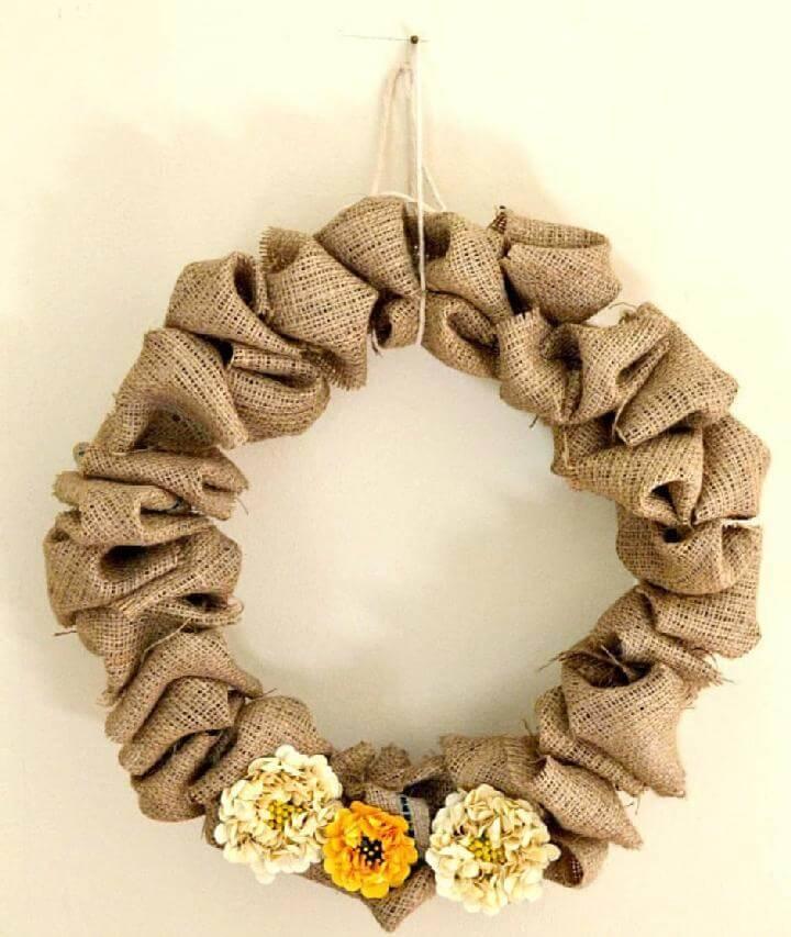 DIY Easy Fluffy Burlap Fall Wreath