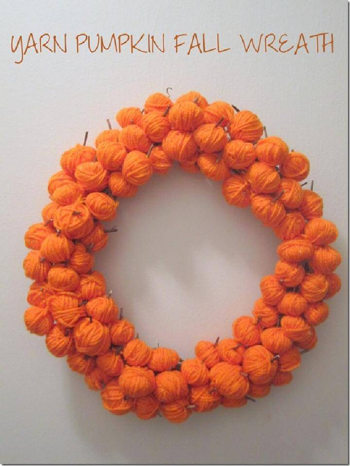 DIY Easy Yarn Ball Pumpkin Fall Wreath