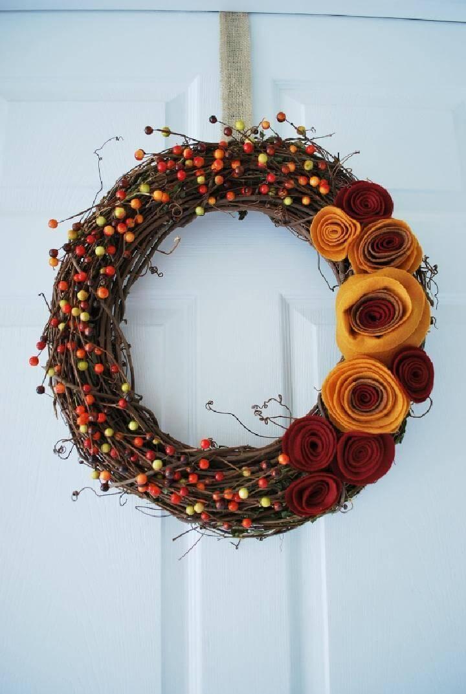 DIY Gorgeous Fall Wreath with Felt Rosettes