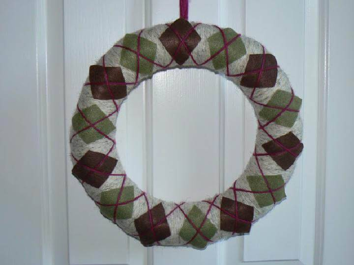 DIY Homemade Fall Argyle Wreath