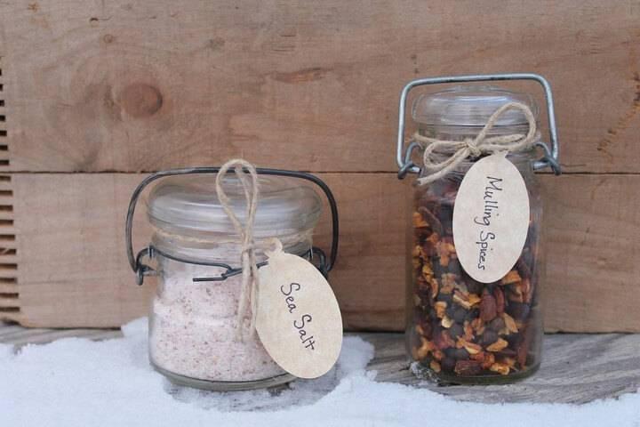 DIY Mason Jar Spices and Salt Gift