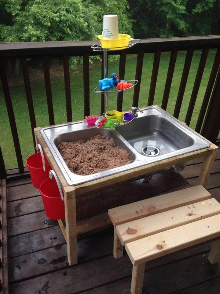 DIY Play Water and Sand Table