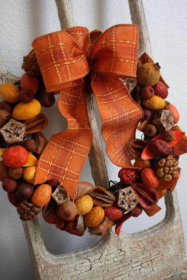 DIY Pods and Berries Easy Fall Wreath
