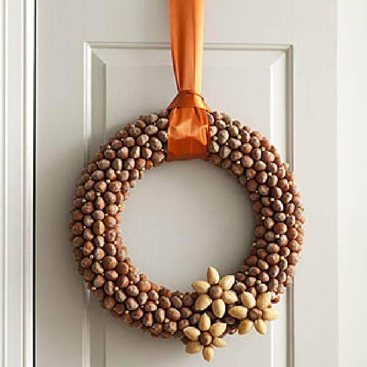DIY Self-Made Acorn Wreath