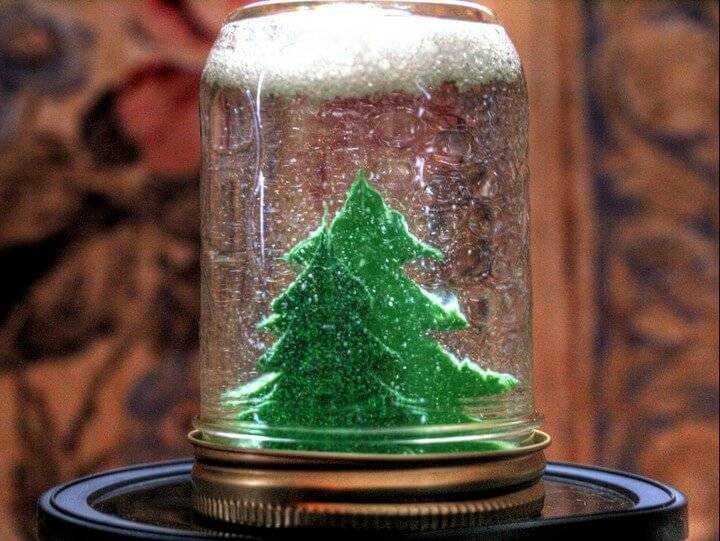 DIY Super Easy Mason Jar Snow Globe