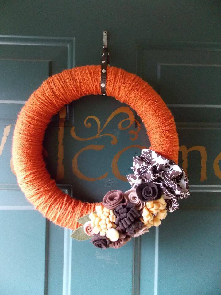 DIY Yarn Wrapped Pumpkin Spice Fall Wreath