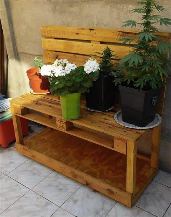 Rustic functional pallet potting bench