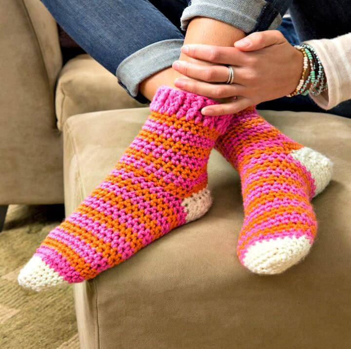 Cozy At Home Crochet Socks - Free Crochet Pattern