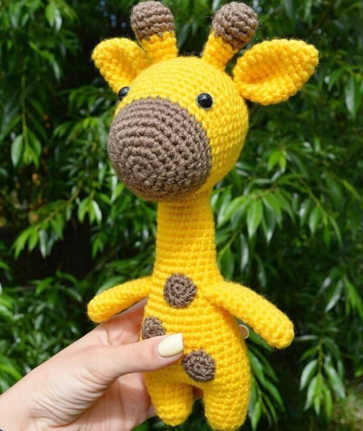 Crochet Amigurumi Giraffe - Free Pattern