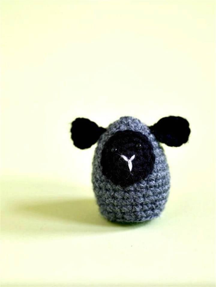 Free Crochet Amigurumi Little Lamb Egg Cozy Pattern