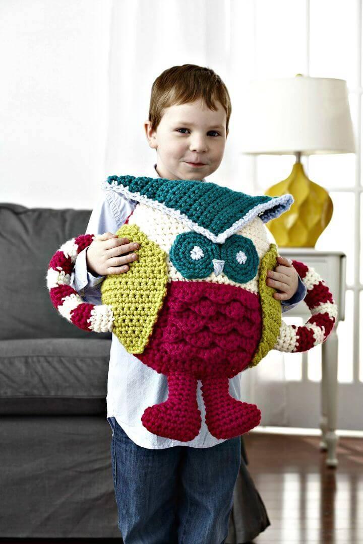 Make A Huggable Owl Pillow - Free Crochet Pattern
