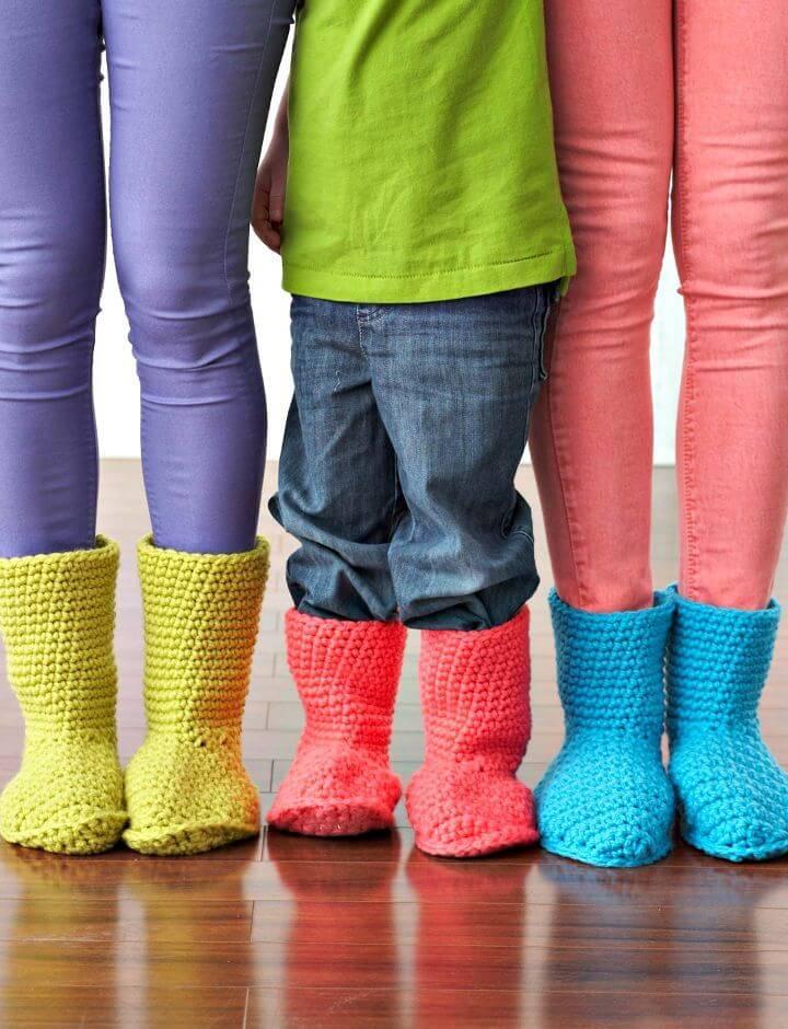 Easy Free Crochet Bernat Slipper Boots Pattern