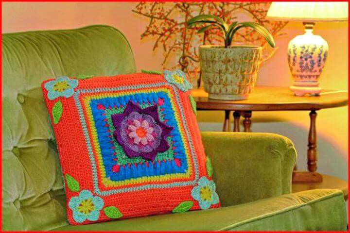 Free Crochet Blooming Daydreams Throw Pillow