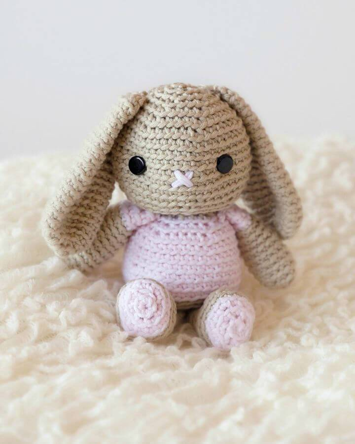 How To Crochet Bunny Amigurumi - Free Pattern