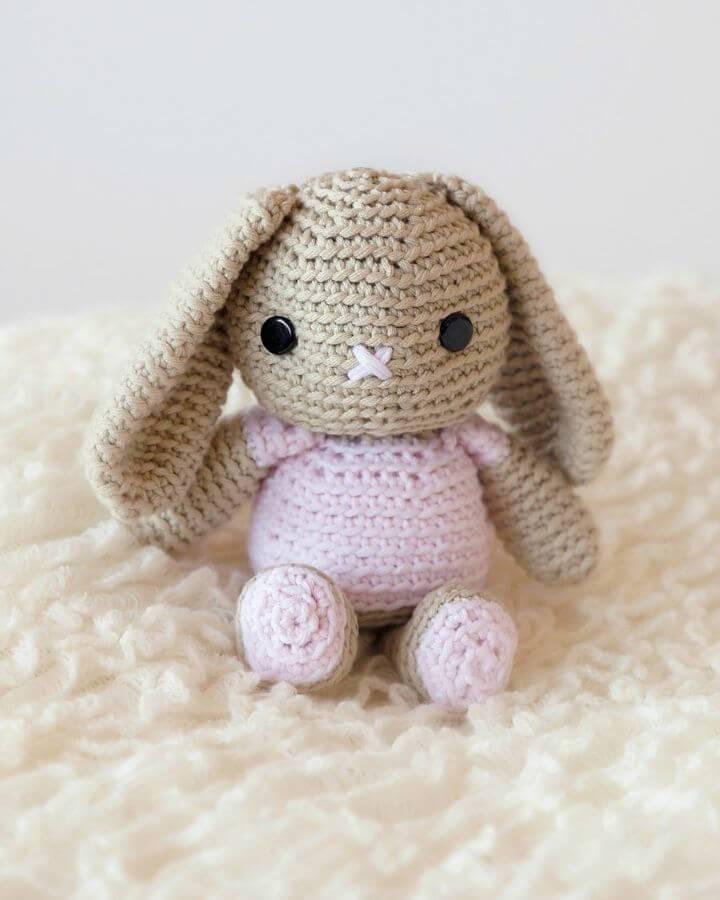 How To Crochet Bunny Amigurumi - Free Pattern