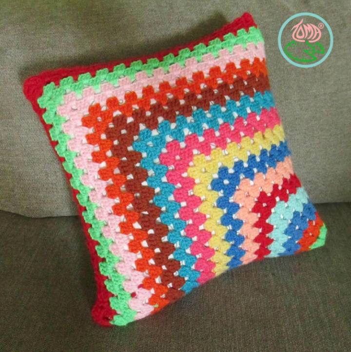 Free Crochet Contemporary Granny-Square Pillowcase Pattern
