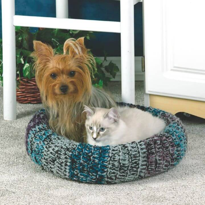 Crochet Cozy Pet Bed - Free Pattern