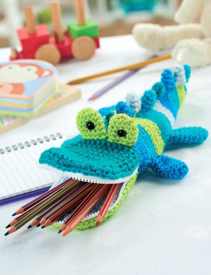 Free Crochet Crocodile Pencil Case Amigurumi Pattern