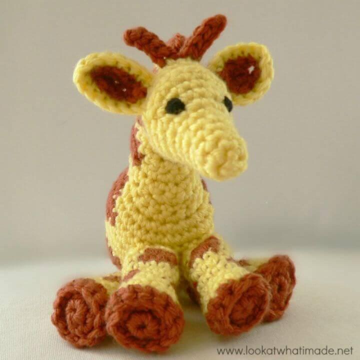 Crochet Gendry The Giraffe - A Little Zoo Animal